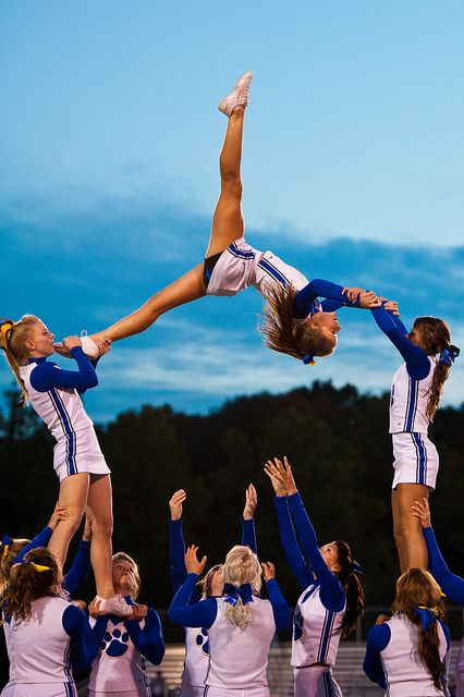 #cheer high school cheerleading stunt cheerleaders #KyFun http://nicestuntbro.tumblr.com/post/34691983409