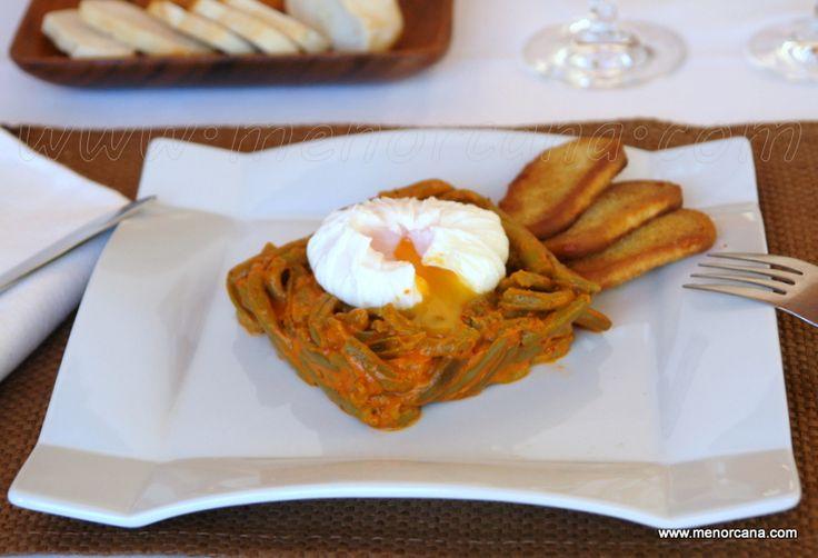 Judías verdes esparragadas con huevo escalfado - Ana en la cocina