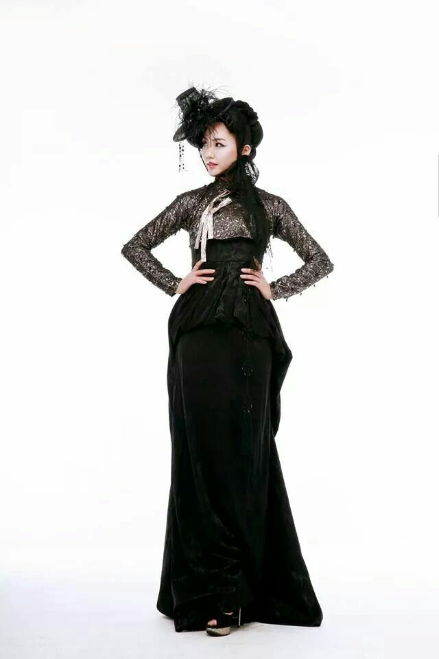 Fashion #hanbok by Fashion house YEOBACK  www.yeoback.com