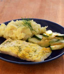 Fisk med dilltäcke + potatis- och blomkålsmos