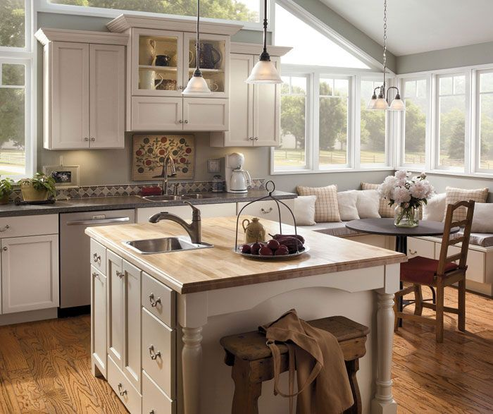 Painted Family Kitchen With Dining Nook: 64 Best Images About Breakfast Nook On Pinterest
