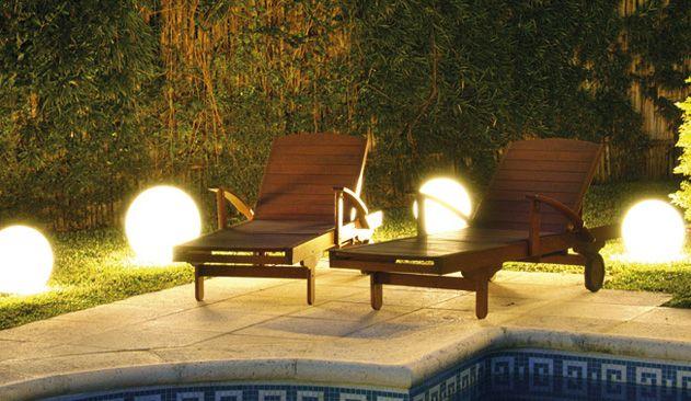 FW Iluminacion. Un nuevo concepto en iluminacion. Iluminacion profesional y residencial. Bidireccionales, apliques de pared y piso, pots y jabalinas, embutidos de piso, faroles de chapa, faroles de aluminio.