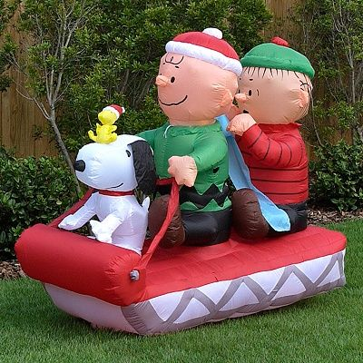 yard inflatables self contained snoopy and his friends charlie brown linus and woodstock on - Snoopy Blow Up Christmas Decorations