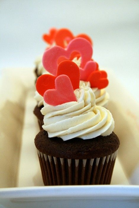 Heart Valentine's day cupcakes toppers