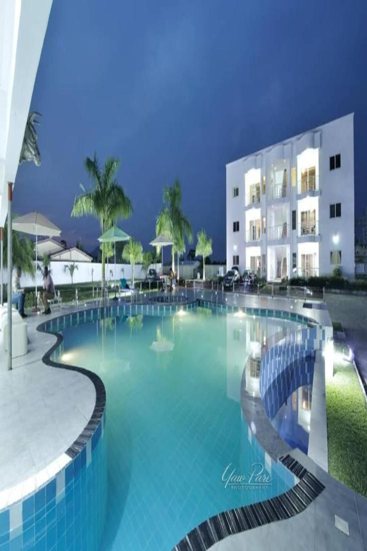 Located Within 35 4 Km Of Kwame Nkrumah Memorial Park St