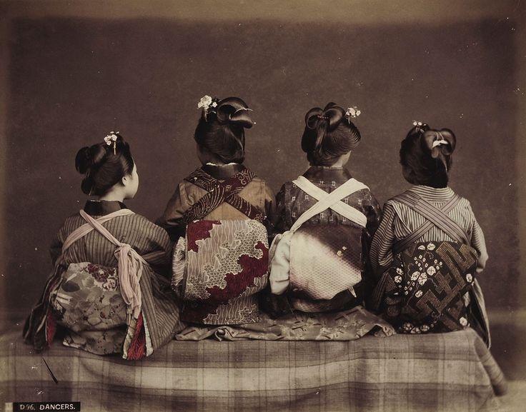 D 96 Dancers | Kusakabe Kimbei | 1880-1890 | Museum Für Kunst Und Gewerbe Hamburg | CC0