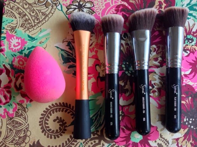 Best foundation brushes and sponges. Sigma, real techniques and beauty blender