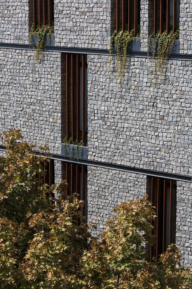 Michael Thronson Masonry Thin Stone Veneer Projects And: The 25+ Best Stone Facade Ideas On Pinterest