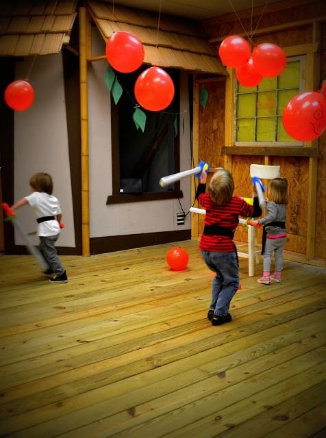 Hi-Ya! It's a Ninja Birthday Party! Ideas for decorations, games and food.