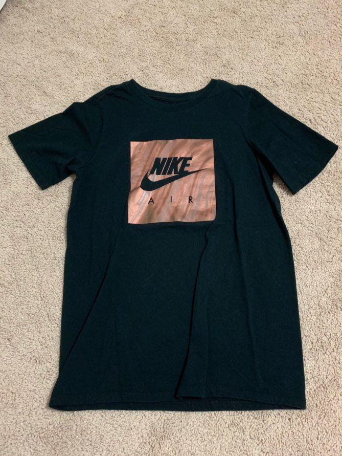 gold nike shirt womens