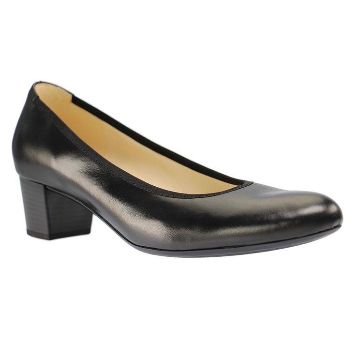 GABOR - 75.380 - Damen Pumps - Schwarz Schuhe in Übergrößen Every day and every office! - Schlicht und bequem in jeder Hinsicht, ist dieser Gabor Übergrößen Pumps aus hochwertigem Velourleder. Ein echtes und vorzügliches Allroundtalent! Die klassische Form und der Blockabsatz passen zu jedem Büro-Style, ob zum eleganten Anzug aus einer Hose und einem Sakko oder zum Bleistiftrock mit einer schicken Bluse. Die bequeme Absatzhöhe mit 4,5 cm, die weiche Lederinnenausstattung und die…