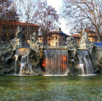 Fontana dei 12 mesi Learn Italian in Turin www.ciaoitaly-turin.com
