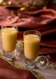 Receta Ponche de Ron Dominicano: La bebida oficial de la navidad dominicana. Esta receta es sencilla de preparar y hace un excelente regalo navideño, prepara en cantidad suficiente para compartir con tus amigos y familiares.
