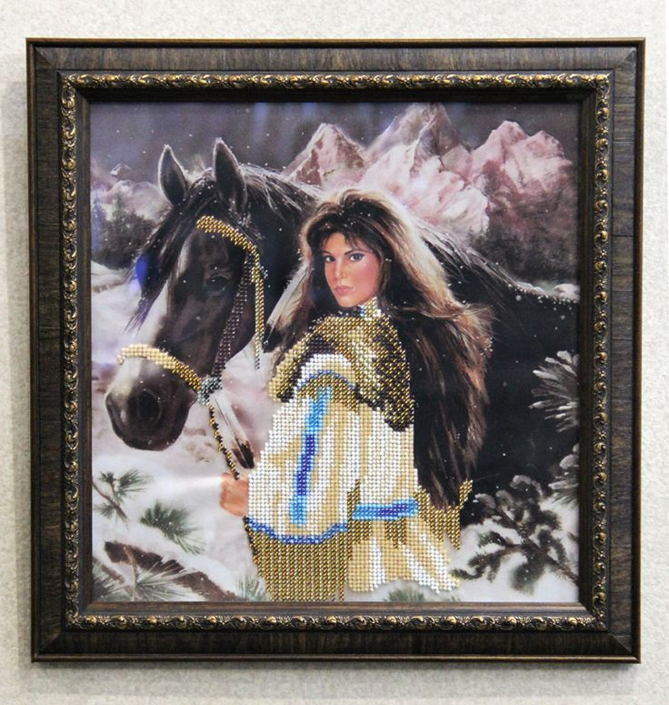 """Картина """"В предгорье"""", частично вышита чешским бисером. Размер вышивки 26х27 см, размер с рамкой 32,5х33 см, материал – атлас. Количество цветов - 9. В рамке, под стеклом. Есть крепления, чтобы вешать на стену. 400 грн."""
