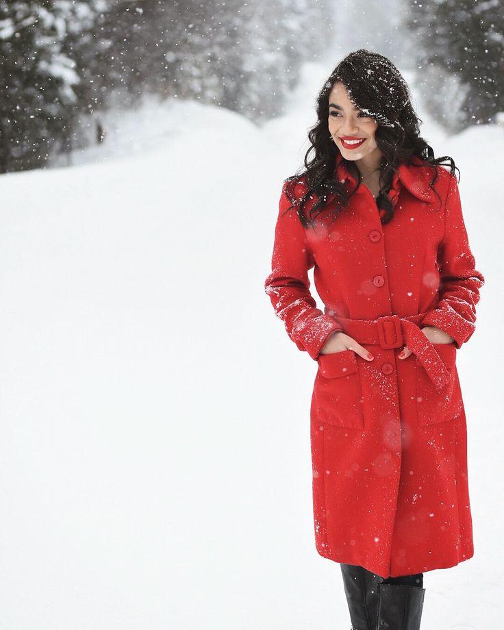 Winter wonderland photography | Red coat | Snow