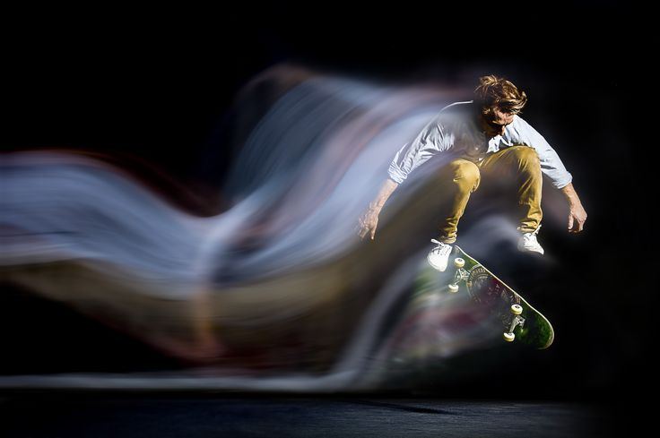 Vapour is a skateboard series with an alternative view of the the traditional sequence image – combining continuous light and short flash durations to capture the essence of motion. Mark wanted to create some creative skateboarding images using a slightly different technique to convey motion. We were delighted to be of assistance.