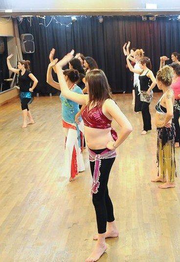 Danse orientale : déroulement d'un cours de danse orientale - Danse orientale: pratiquer la danse orientale