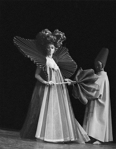 Geraldine McEwan in The White Devil @ The NT, 1969