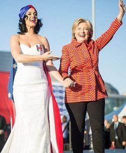 Katy Perry, Lady Gaga e mais comemoram vitória de Hillary Clinton no partido democrata #Cantora, #Gaga, #Homenagens, #KatyPerry, #Lady, #LadyGaga, #M, #Mulheres, #Noticias, #Popzone, #Presidente, #Rock, #Status, #Twitter http://popzone.tv/2016/06/katy-perry-lady-gaga-e-mais-comemoram-vitoria-de-hillary-clinton-no-partido-democrata.html
