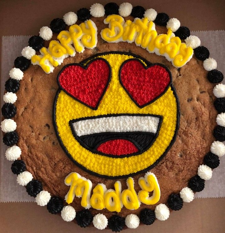 Fantastic Emoji Cookie Cake With Images Cookie Cake Decorations Cookie Funny Birthday Cards Online Sheoxdamsfinfo