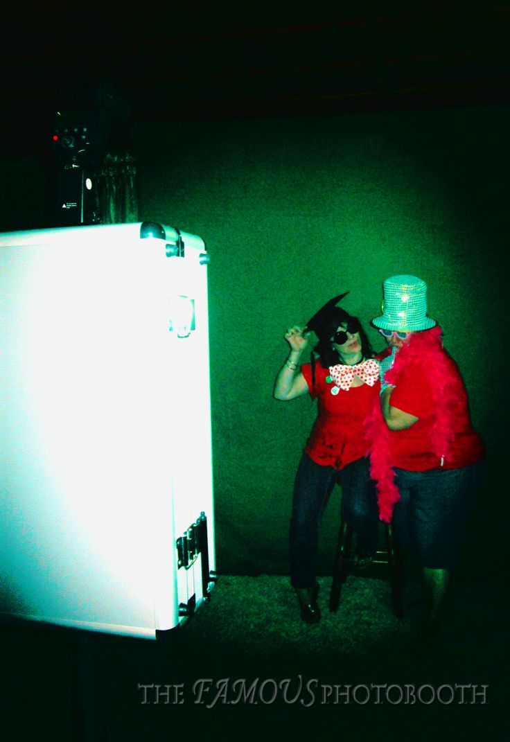~Behind the scenes~ Grab a Prop and STRIKE a pose!
