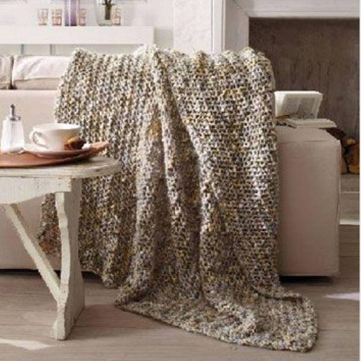 """Zum Kuscheln: Edle Decken stricken - """"Strickt euch kuschelige Decken und übersteht jeden Winter warm und weich. Hier findet ihr Strickmuster und Anleitungen für acht edle Decken."""""""