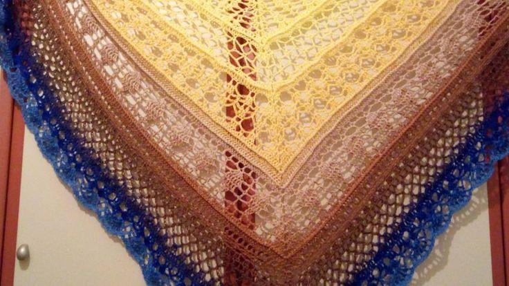 gradient yarn shawl