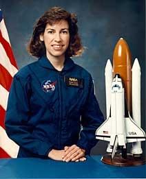 ellen ochoa on space shuttle discovery - photo #25