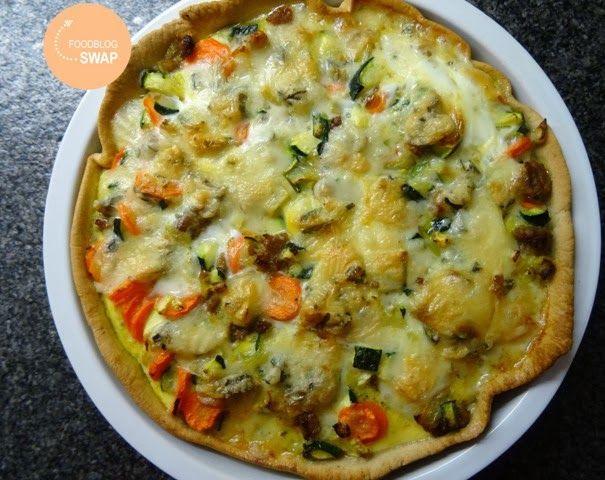 Marions Kitchen Stories: FoodBlogSwap februari 2014: Hartige taart met courgette, wortel, gehakt en gorgonzola