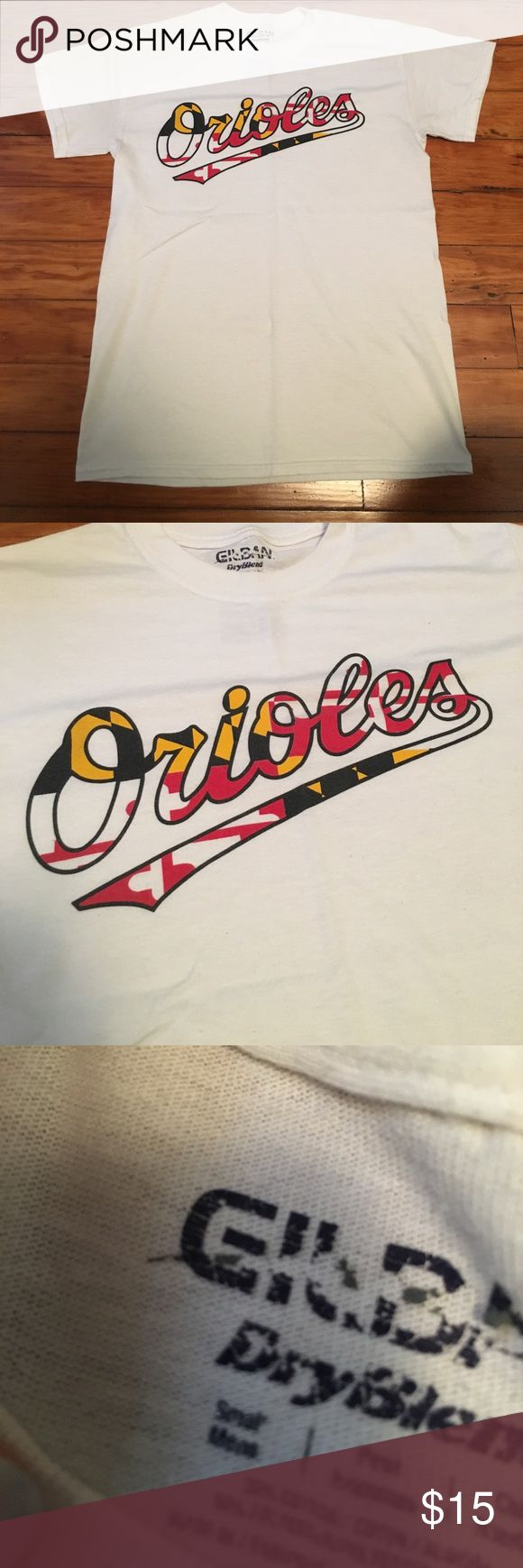 Maryland Orioles Shirt Gently used Maryland flag print O's shirt! Men's size small Tops Tees - Short Sleeve