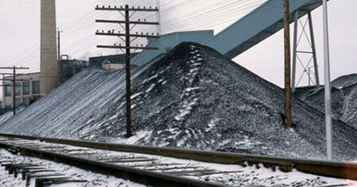 Como converter um metro cúbico de carvão para uma tonelada?. Converter unidades de volume para unidades de peso exige o conhecimento da densidade do material envolvido. Por exemplo, converter 10 l (uma unidade de volume) de gasolina para quilos (uma unidade de peso) exige a sua densidade, isto é, a massa por volume. Da mesma maneira, converter metros cúbicos de carvão para toneladas é simples, uma vez que ...