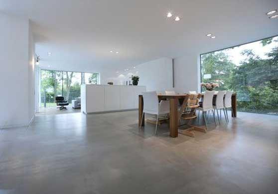 pavimento-grigio-cemento-liscio-levigato-spatolato-a-mano-microtopping-microcemento-moderno.jpg (558×389)