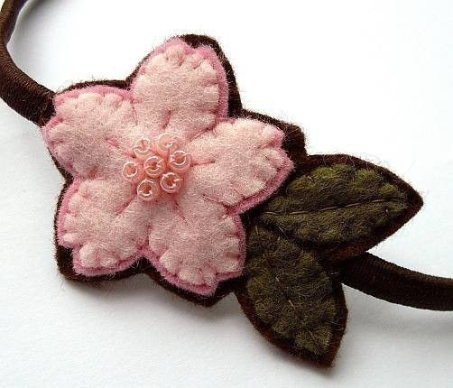 ...shows the option of putting a backing on felt flowers.Felt Flower Headbands, Cherries Blossoms, Crafts Ideas, Felt Crafts, Felt Headbands, Flower Ideas, Pink Cherries, Felt Flowers, Cherry Blossoms