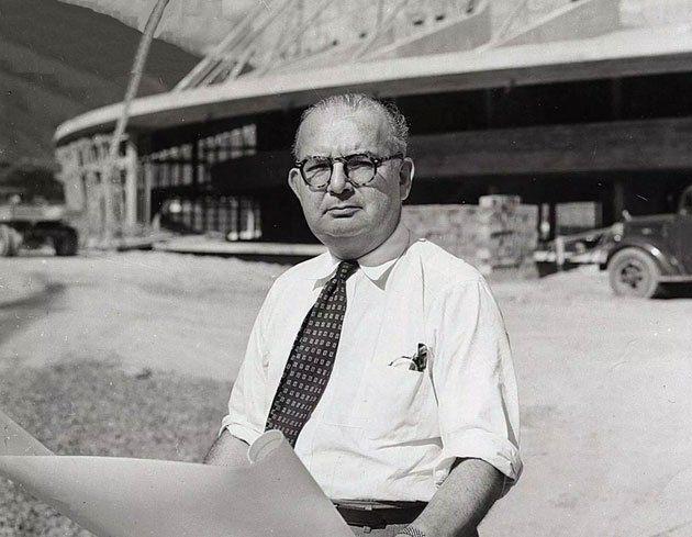 Tal día como hoy, nació el arquitecto Carlos Raúl Villanueva Maestro de la arquitectura moderna en Venezuela, nació en Londres el 30 de mayo de 1900. Hijo del diplomático venezolano Carlos Antonio Villanueva y de Paulina Astoul. Nieto de Laureano Villanueva.  http://wp.me/p6HjOv-3Z6 ConstruyenPais.com