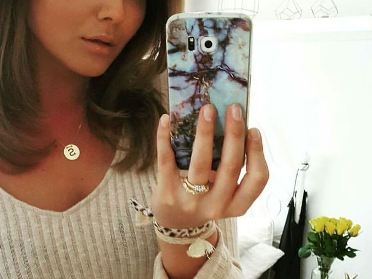 How cute is this marble case!  Available for Samsung S7 & S7edge. #marblephonecase #marble #feelgoodfriday #TGIF #samsungcase #samsungcovers #samsungrepairsgeelong #fashion #mobilefashion #weekendvibes #geelong