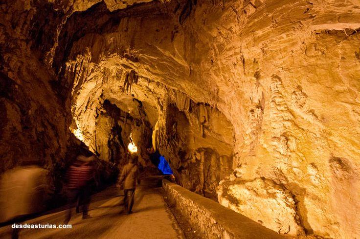 Cuevona de Cuevas del Agua, Ribadesella, Asturias. https://www.ribadesella.com