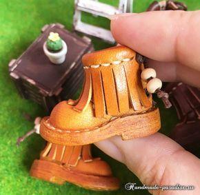 Обувь и сумки из кожи для кукол. Шаблоны и выкройки сандалий, сабо, босоножек, ботиночек, а также миниатюрных сумочек для куколок.