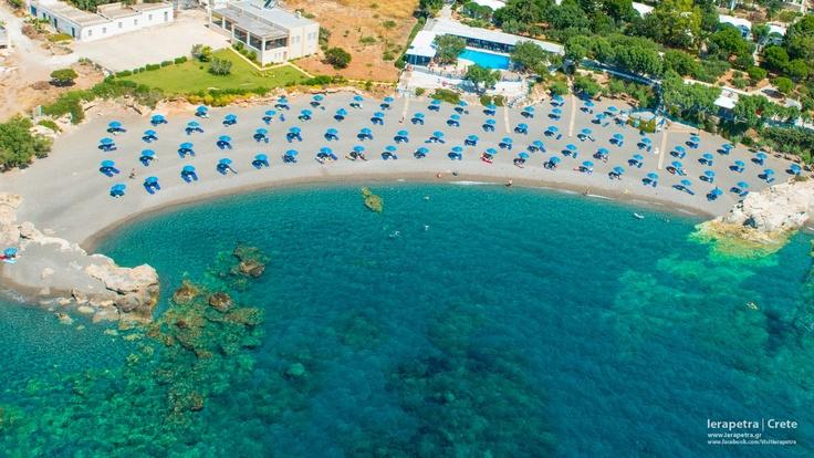 Organized beach, adjacent to the Long Beach of Koutsounari in #Ierapetra city. |  Οργανωμένη παραλία, στο Κουτσουνάρι Ιεράπετρας. (CC-BY-SA 3.0)