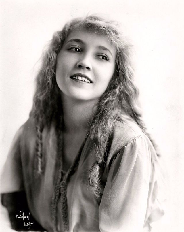 43 Beautiful Vintage Photographs of Bessie Love in the
