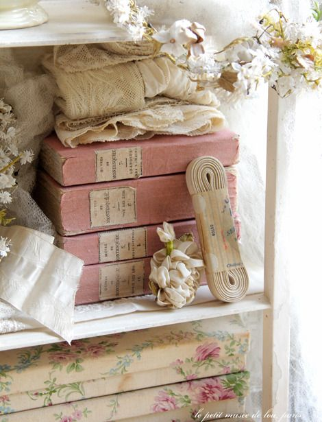 78 best images about rachel ashwell 39 s shabby chic bedrooms. Black Bedroom Furniture Sets. Home Design Ideas