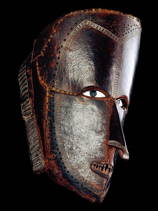 ancient-serpent:Mask of turtle shell. Mer, Torres Strait Islands, before 1855 (British Museum) Coffeenuts