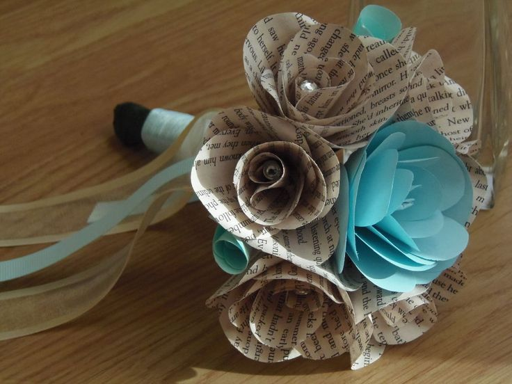 Small Gift Bouquet, THE NOTEBOOK, book roses, NICHOLAS SPARKS in Blue