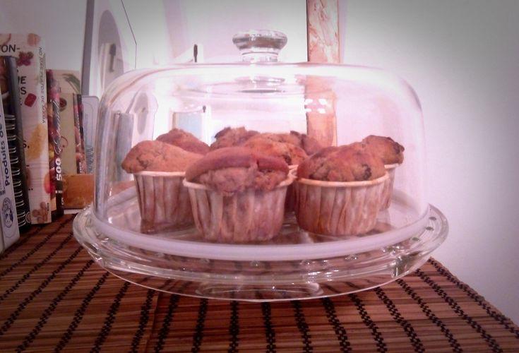 La semana pasada vi la receta de las muffins de nueces y pasas de I cake 4 u. Me decidí al momento. Es una receta sencilla, dentro de todo saludable y están tan increiblemente buenas que querrás vo…