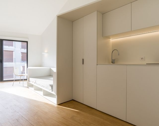 Les 25 meilleures id es concernant le tableau logements for Decorer appartement etudiant