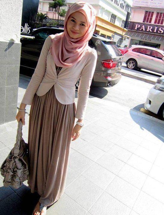 Hijab street style Great young NY style... afrikanrepublic.com