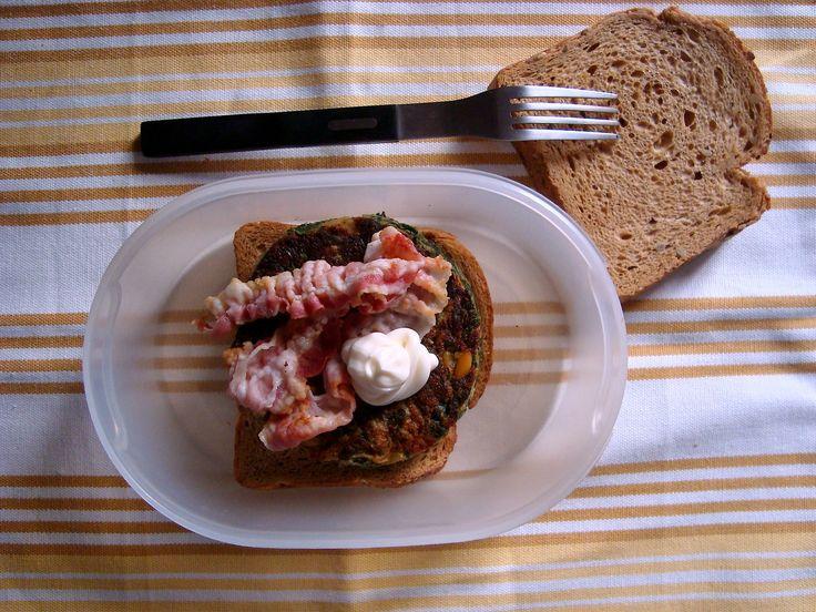 Schiscetta - Burger di Spinaci Home-Made con pane tostato ai cereali e pancetta