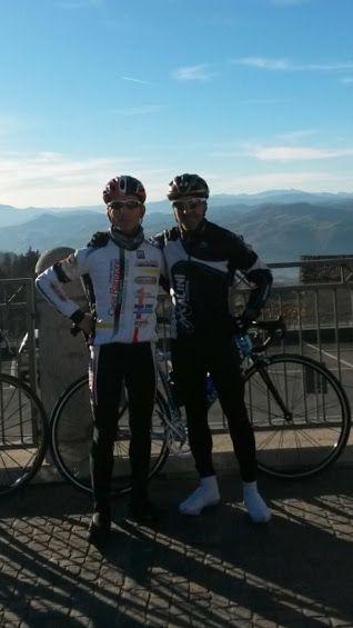 Un attimo di pausa a Zocca per augurarvi Buone #Natale  #PersonalTrainer #Bologna #allenamento #bicicletta #sport #bdc