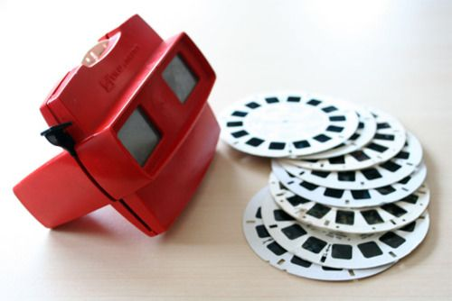 I remember finding a box of old VeiwMaster reels; like buried treasure. These things are rad.