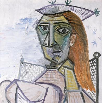 Mujer-sentada-en-un-sillon