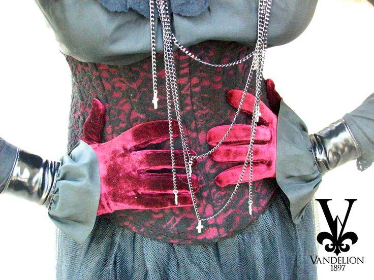 Underbust, shirt, skirt, wristbands and necklace by Vandelion 1897 Model: Mariana Gutierrez
